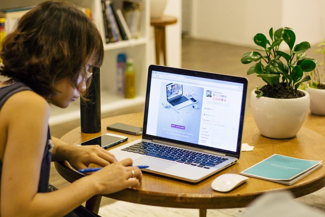 5 Best Freelance Platforms To Launch Your Developer Career